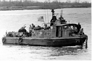 Fast_Patrol_Craft_Swift_boat_slow1